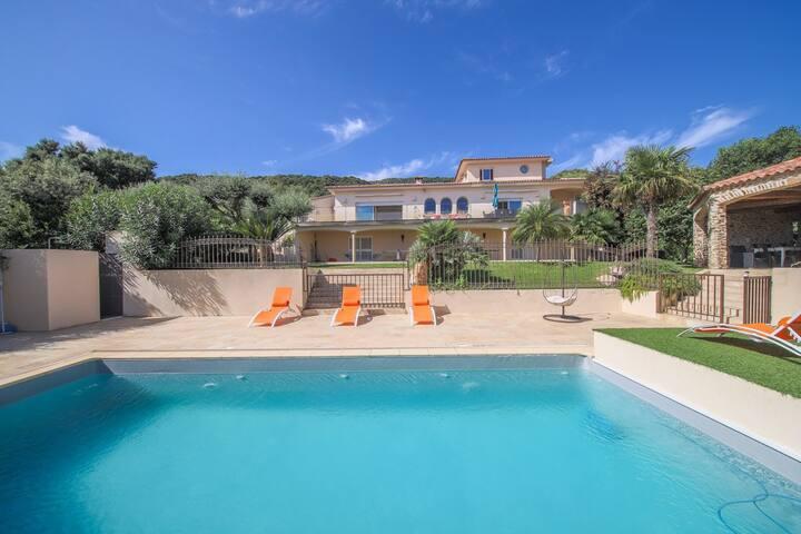 Grande villa piscine vue mer 4 chambres