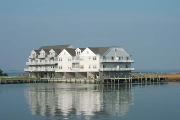 Seabright-Waterfront Townhome w/ Boat Slip