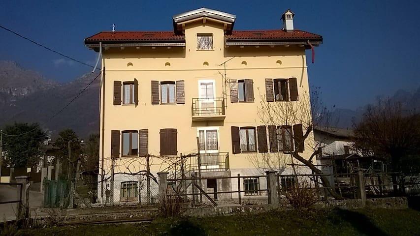 Villa in Val Canzoi - Fianema