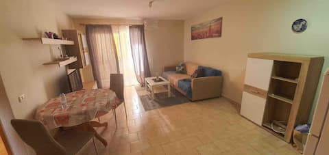 Cozy 1 bedroom apartment in prime area.