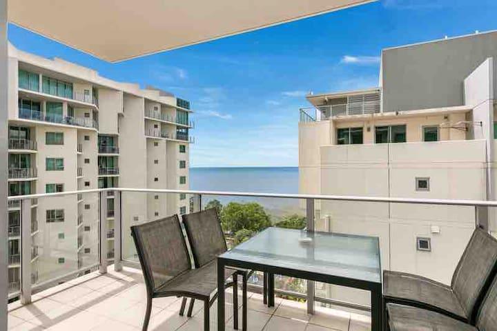 ♦️(104) Ocean Views in 10th Floor 1bdrm 1 bath♦️