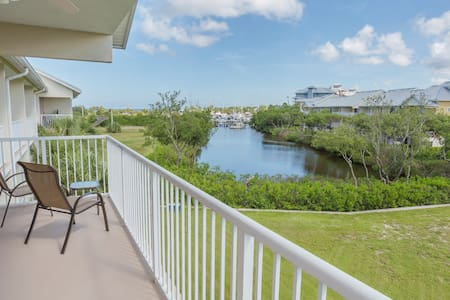 Luxurious 3BR townhome Little Harbor Resort w/view
