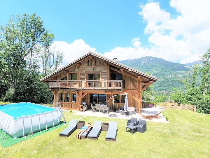 New Luxury Chalet with pool in private setting