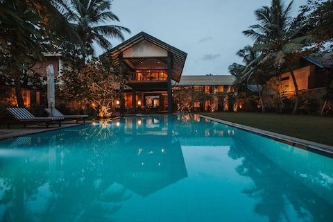 Villa Sea Esta, Beachfront Villa, Wadduwa
