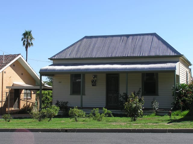Central Rutherglen Cottage - Rutherglen