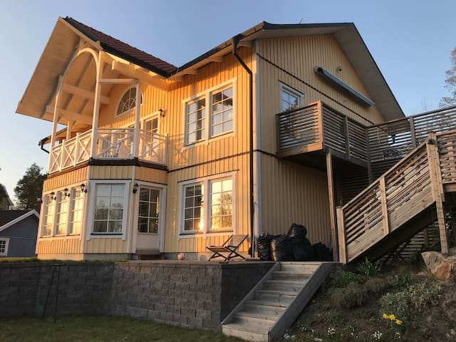 Villa Rosenhill 20 min from Stockholm City
