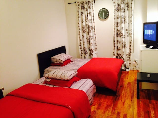 Beautiful UpperEastSide Apt/Sleeps4 - Nova Iorque - Apartamento