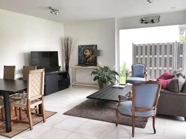 Modern flat w/ garden & parking near city center - Luxembourg - Apartamento