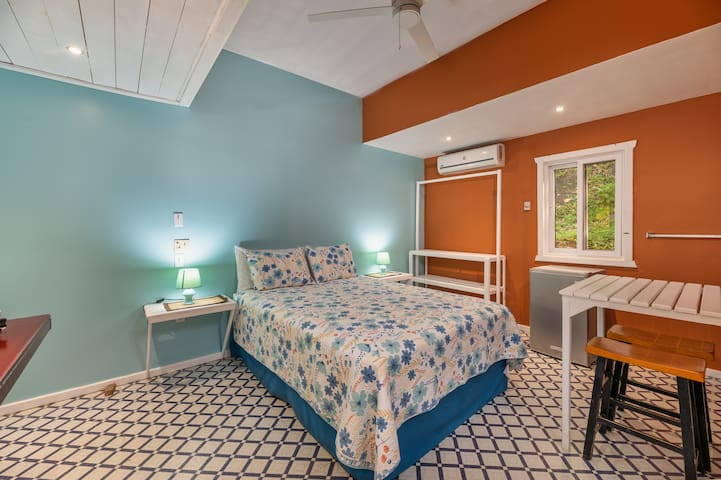 This room has been recently refurbished and is fully ensuite with toilet, shower, bath and toileteries. Also available in the room is a Coffee maker,Kitchenette, Hairdryer,Free Wifi and AC. Iron and ironing board available upon request.
