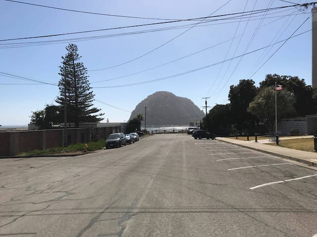 Morro Bay Beautiful (500ft from Embarcadero)