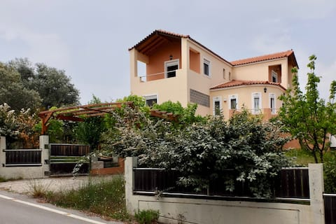 Cozy Home in Agia Anna with a Fantastic View