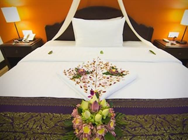 CENTRAL Hostel - A/C Room for 1 Adult (Single Bed) - Krong Siem Reap