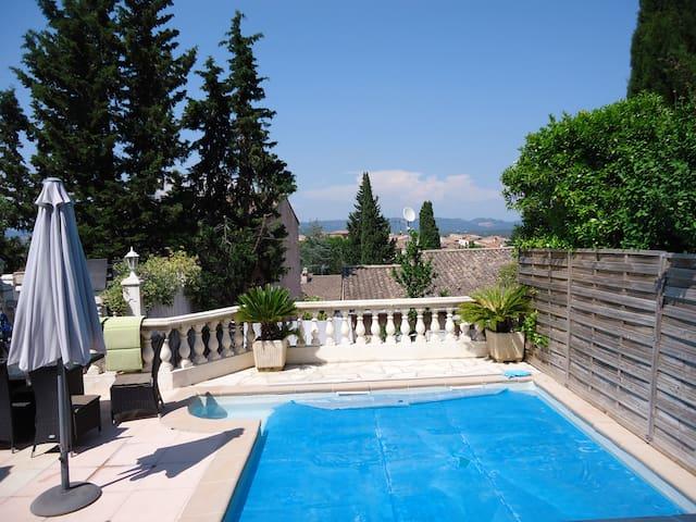 villa avec piscine chauffée - Roquebrune-sur-Argens - Dům