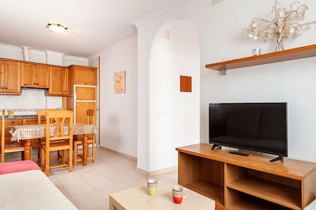 Charming Apartment in Great Location Near the Beach with Terrace; Pets Allowed under request