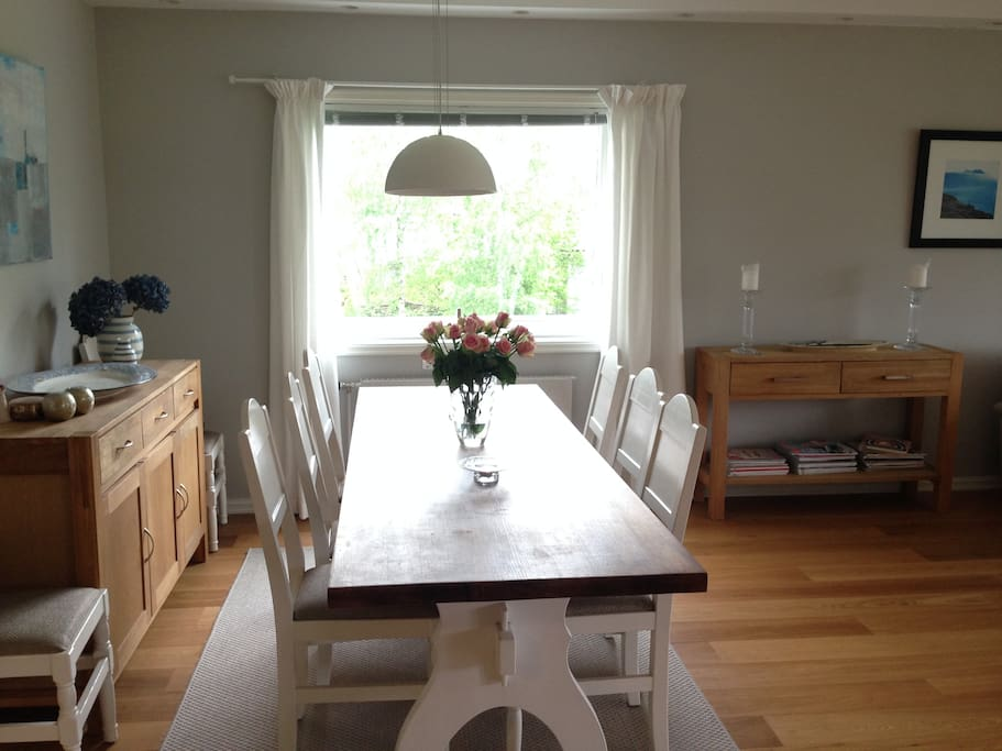 Dining area suited for 8 people