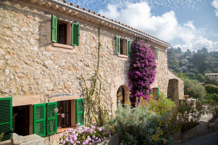 Unique charming cottage in Galilea - Galilea - Talo