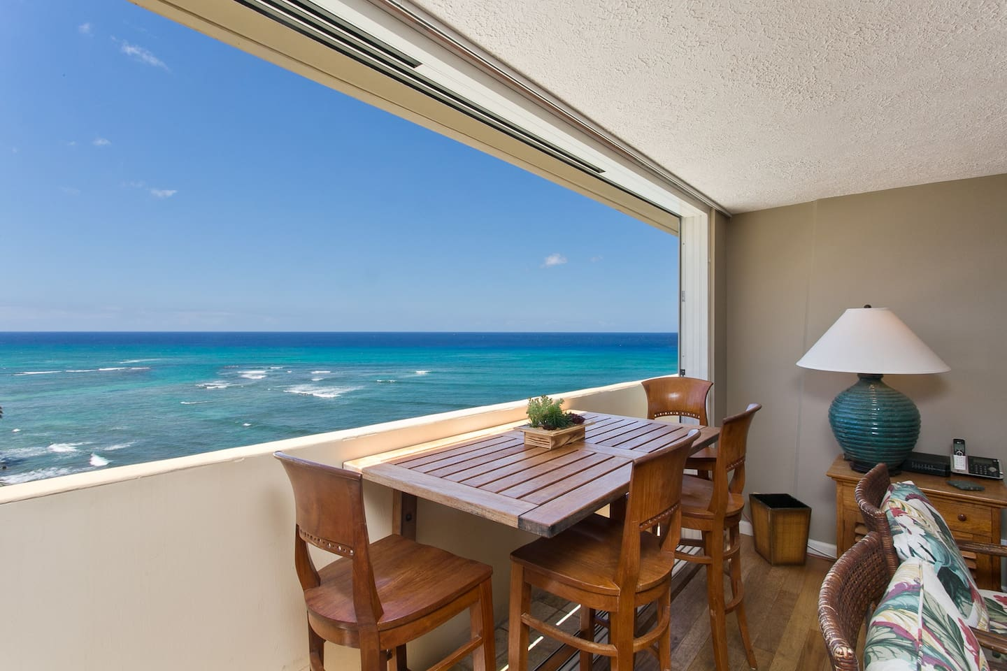 Relax in this one of a kind Pacific Ocean Penthouse - The perfect place to unwind