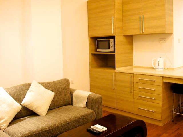 Cozy 1 bedroom apartment 8 mins walk to Aljunied