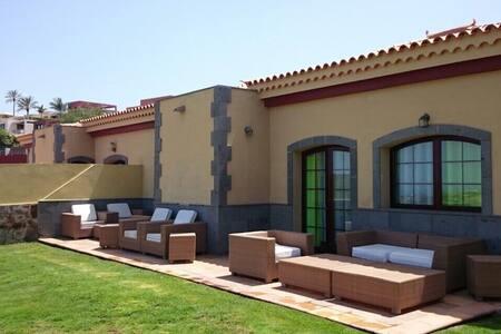 Villa Salobre Golf II Meloneras - サンバルトロメデティラハナ - 別荘