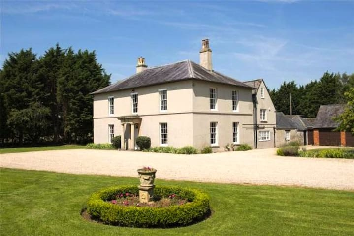Leigh Hall Bed & Breakfast