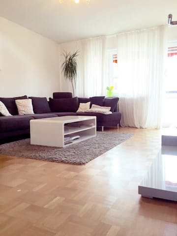 Exclusive 2 rooms Apartment - Stuttgart - Lejlighed