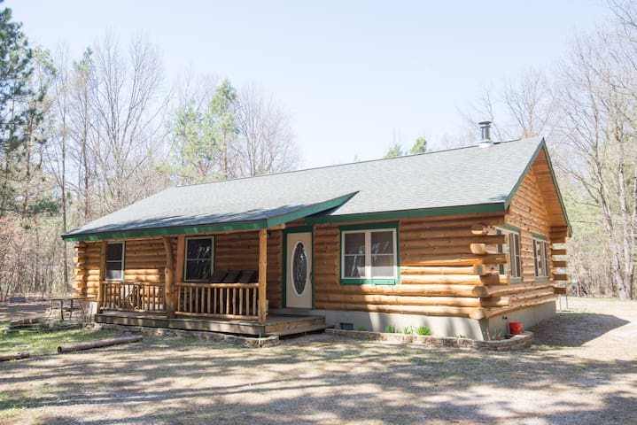 Wooded Retreat near LK MI and National Forest