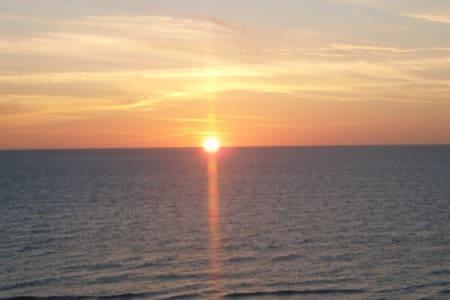 APOLLO Beachfront condo....what a view!! - Marco Island