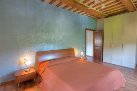 """Appartamento 80 mq """"Il Trionfo"""" - Sassoferrato - Apartment"""