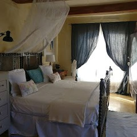 Gozo holiday - Room with private terrace & shower