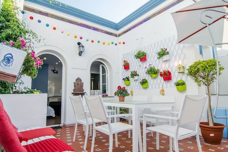 Bright studio near the beach! - Nerja - Lägenhet