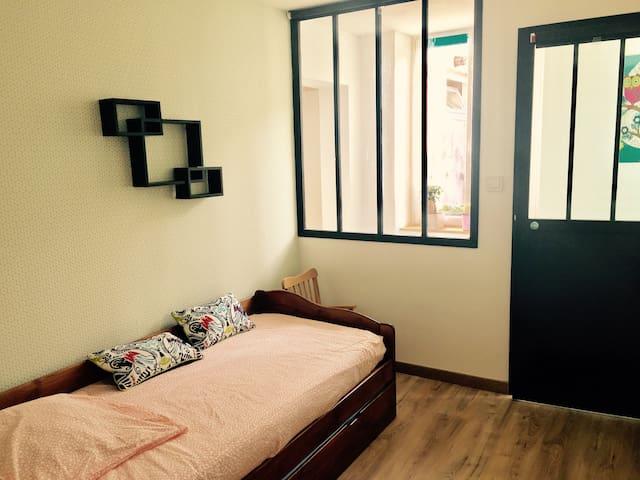 Chambre pour 1 personne chez l'habitant - Croix - Huis