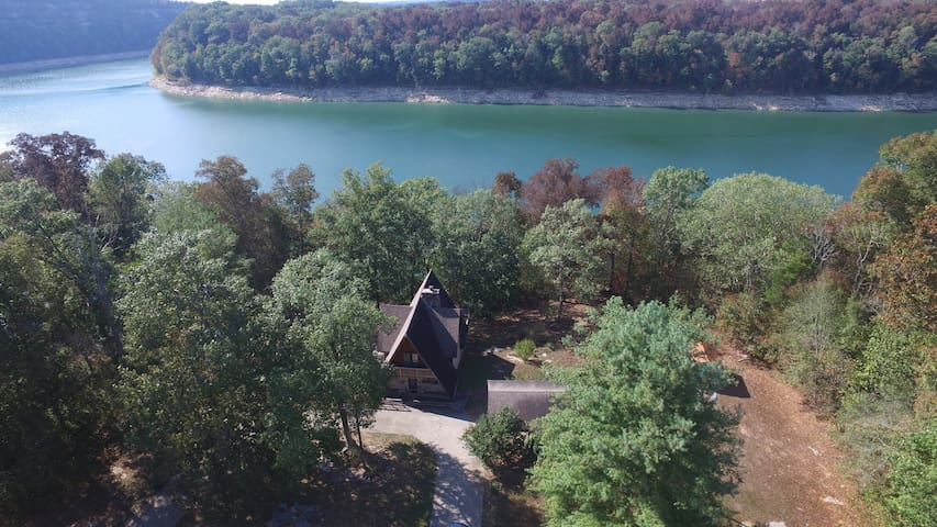 Window Lake,View Lake Cumberland,Close to Marina