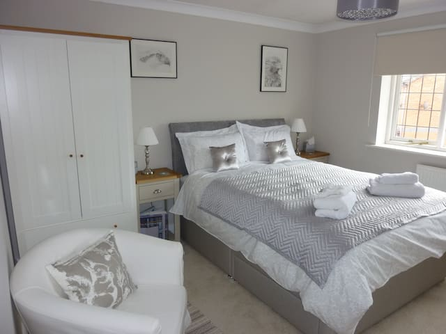Kingsize room in spacious house with parking - Lancashire - Dom