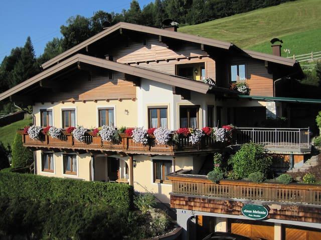 House Melanie near ski slopes - Sankt Johann im Pongau - Appartement