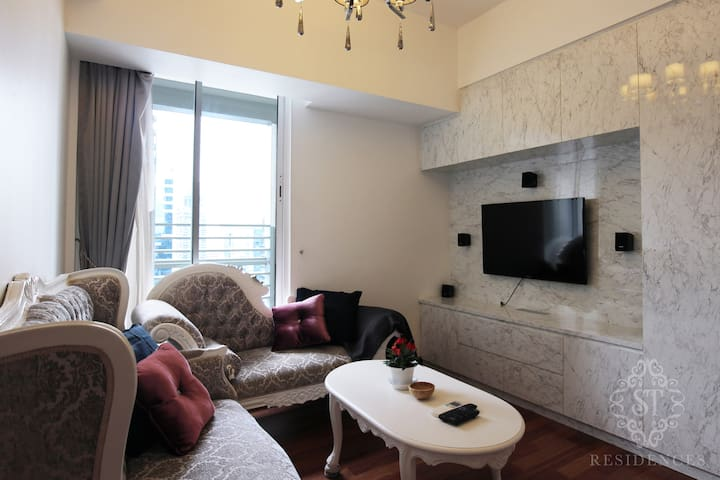 Comfort & Luxury 2BR Apartment at Marina Bay