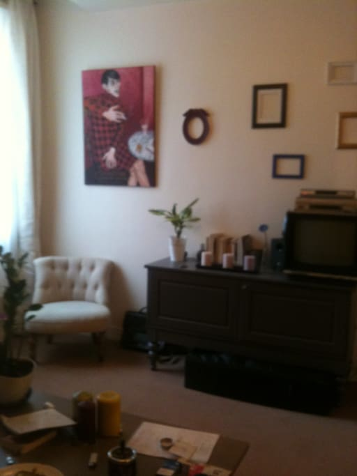 Appart cosy pr s du p re lachaise appartements louer for Location appart meuble paris