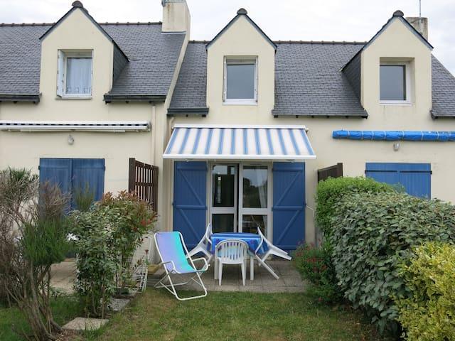 Semi-detached house , 400m beach - Saint-Philibert - House