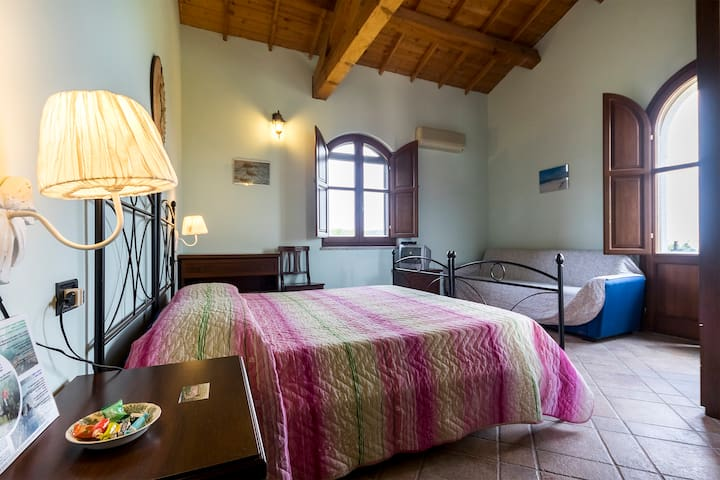 B&B Nuraximannu camera standard primo piano n.1 - Santadi - Bed & Breakfast