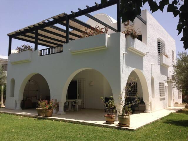 Belle villa ds résidence sécurisée - Hammamet Sud - Casa