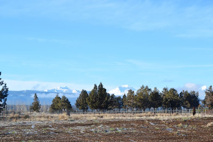 Beautiful 10 acre farm stay in Tumalo!