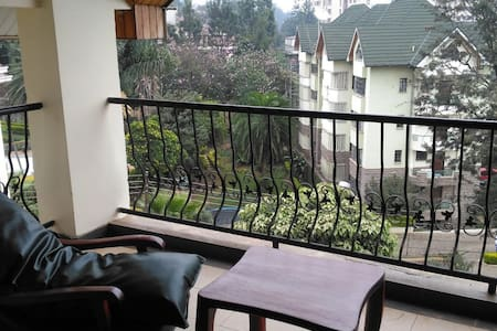 Spacious penthouse in convenient, safe location - Nairobi