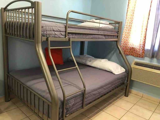 Lower full  Upper twin bed
