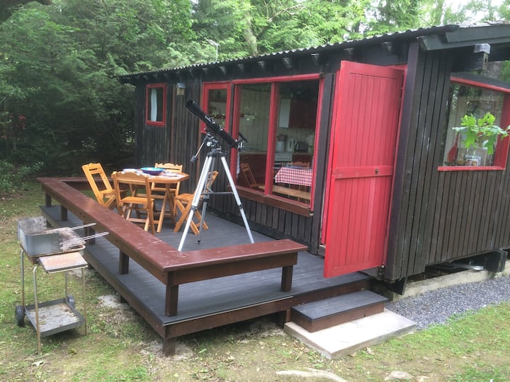 Cute retro West Wales cabin for six