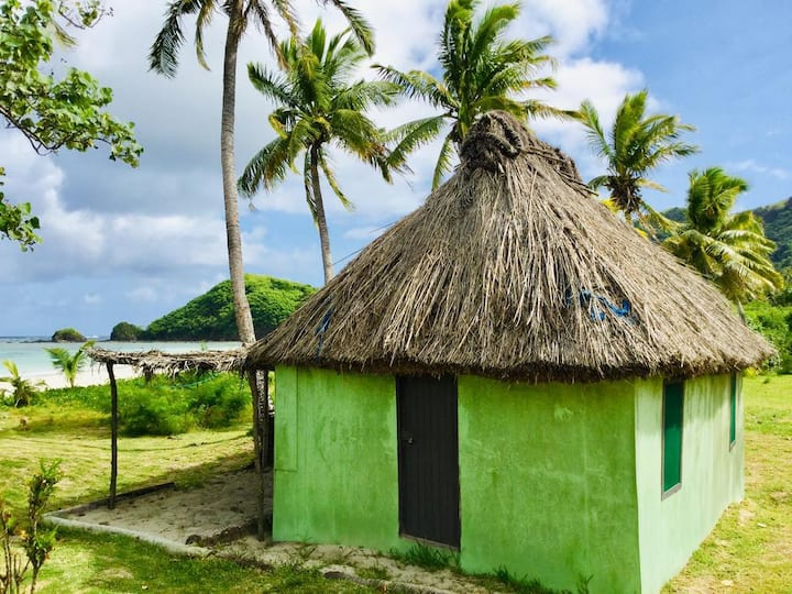 _THE GREEN BEACH HOUSE in MALAKATI VILLAGE_