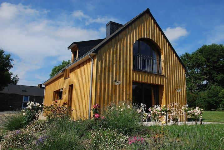 The Barn of Gannedel in Brittany - La Chapelle-de-Brain - Ev