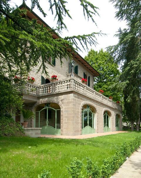 Villa Mondello inTuscany great view