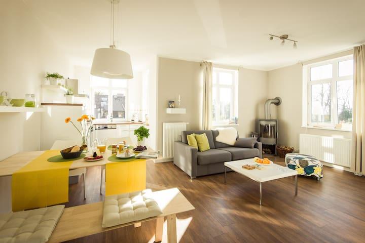 """Wohnung """"Löwenzahn"""" im Gutshaus - Krummin - Apartment"""