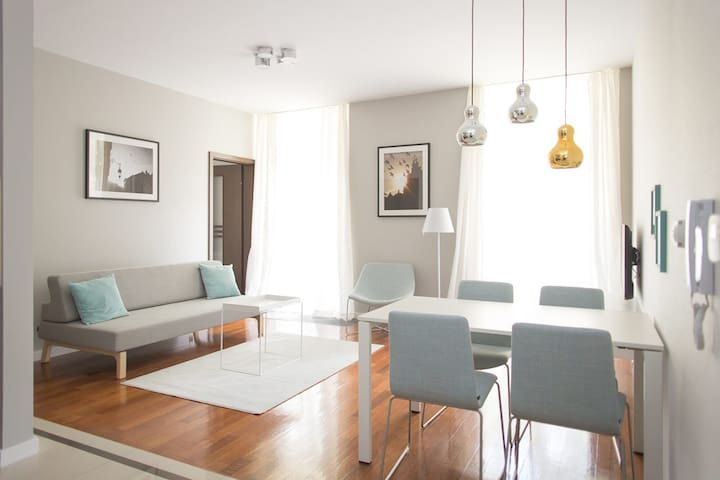 Pastel Apartment - 7 min to Old Town