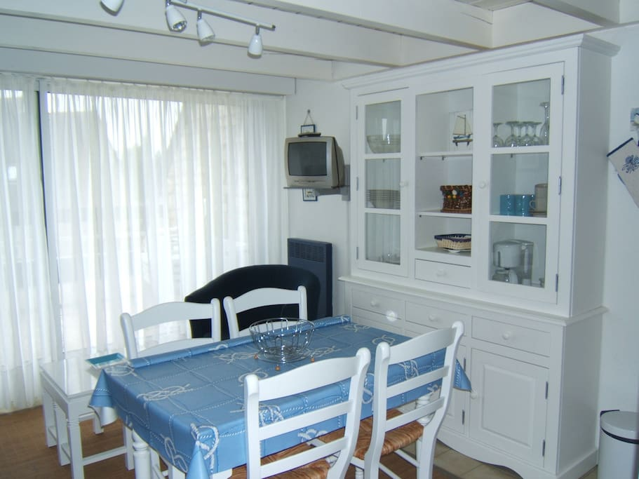 Appt 400m plage garage carnac appartements louer for Location garage carnac