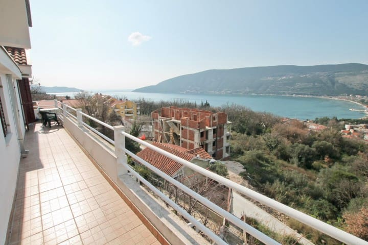 Apartment with magnificent sea view - Herceg Novi - Σπίτι